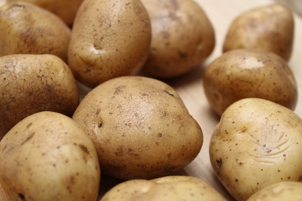 potatoes - ingredients for clam chowder