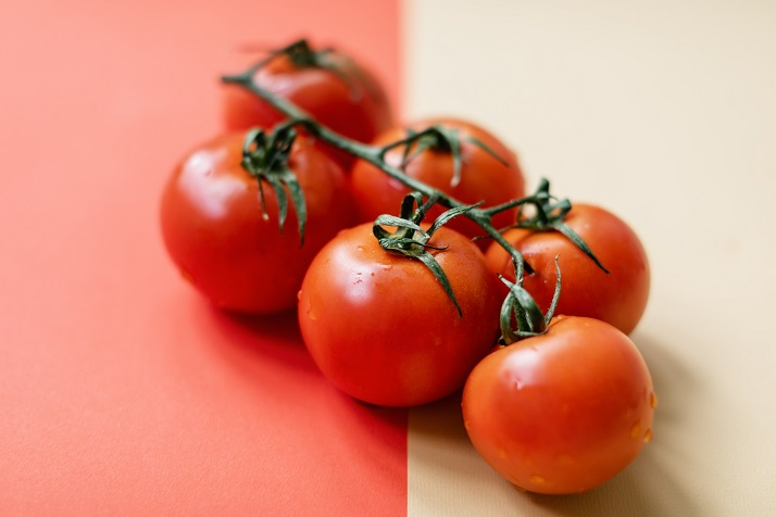 tomato slices for fried soft shell crab sandwich